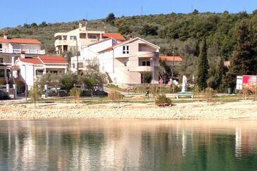 Mala Lamjana, Ugljan, Property 11019 - Apartments near sea with pebble beach.