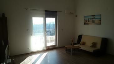 Rogač, Living room in the apartment, dostupna klima, dopusteni kucni ljubimci i WIFI.