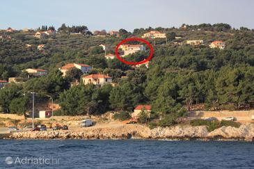 Rogač, Šolta, Property 11037 - Apartments with pebble beach.