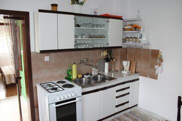 Arbanija, Kitchen in the apartment, WIFI.
