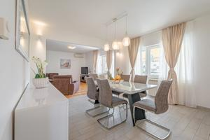 Apartments by the sea Slatine, Čiovo - 11047