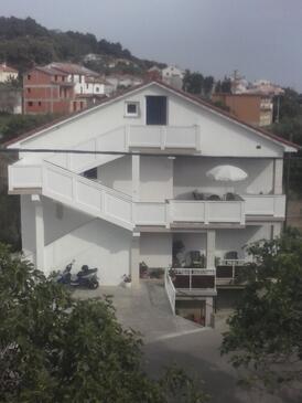 Banjol, Rab, Property 11060 - Apartments by the sea.