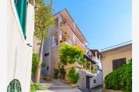 Apartments and rooms with WiFi Makarska - 11063