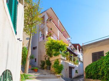 Makarska, Makarska, Objekt 11063 - Apartmaji in sobe s prodnato plažo.