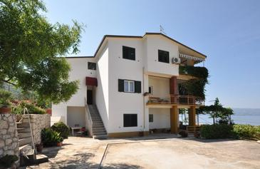 Omiš, Omiš, Property 11066 - Apartments with sandy beach.
