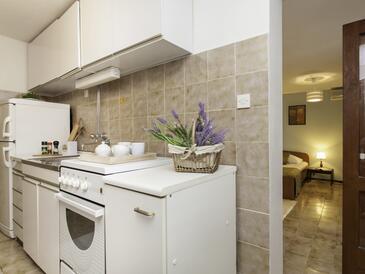 Prižba, Кухня в размещении типа studio-apartment, WiFi.