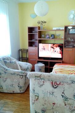 Okrug Gornji, Obývací pokoj v ubytování typu apartment, klimatizácia k dispozícii a WiFi.