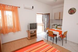 Apartments with a parking space Bibinje (Zadar) - 11074