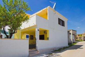 Kašić, Šibenik, Объект 11079 - Дом для отдыха с галечным пляжем.