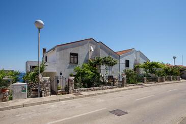 Mali Lošinj, Lošinj, Property 11104 - Apartments with pebble beach.