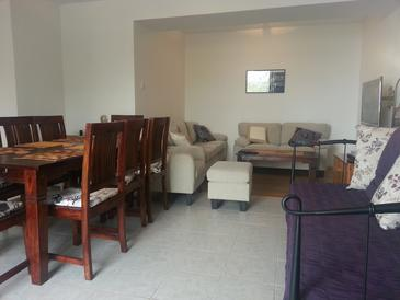 Medići, Obývacia izba v ubytovacej jednotke house, klimatizácia k dispozícii a WiFi.