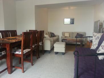 Medići, Гостиная в размещении типа house, доступный кондиционер и WiFi.