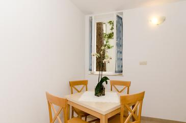 Dubrovnik, Dining room in the apartment, WIFI.