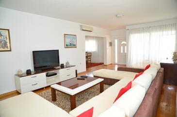 Zadar, Living room in the apartment, dostupna klima i WIFI.
