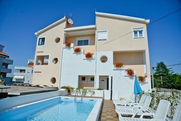 Zadar, Zadar, Property 11151 - Apartments near sea with pebble beach.