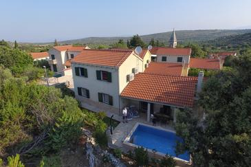 Dračevica, Brač, Property 11156 - Vacation Rentals with pebble beach.