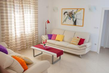 Dračevica, Living room in the house, dostupna klima, dopusteni kucni ljubimci i WIFI.