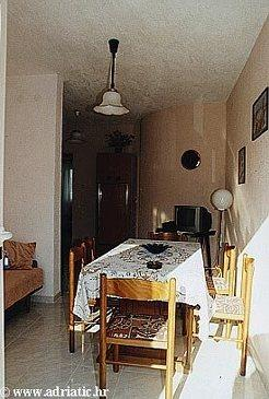 Rogoznica, Dining room in the apartment, dopusteni kucni ljubimci i WIFI.