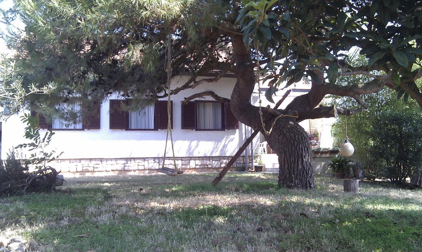 Valbandon dům