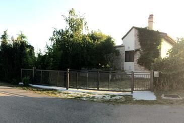 Valbandon, Fažana, Property 11172 - Vacation Rentals with pebble beach.