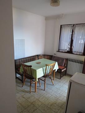 Rabac, Dining room in the apartment, dopusteni kucni ljubimci i WIFI.