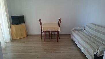 Seline, Camera di soggiorno nell'alloggi del tipo apartment.