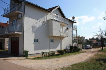 Sukošan, Zadar, Property 11201 - Apartments with pebble beach.