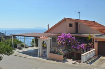 Zavalatica, Korčula, Property 11216 - Apartments with pebble beach.