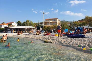 Arbanija, Čiovo, Objekt 1122 - Ubytování v blízkosti moře s oblázkovou pláží.