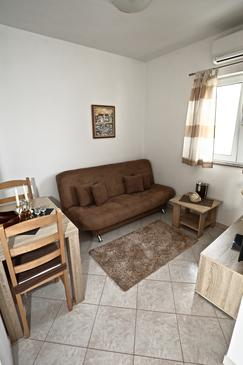 Sućuraj, Living room in the apartment, air condition available and WiFi.