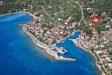 Sućuraj, Hvar, Property 11228 - Apartments near sea with pebble beach.