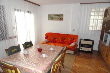 Okrug Gornji, Гостиная в размещении типа apartment, Домашние животные допускаются и WiFi.