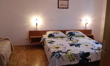 Novigrad, Spálňa v ubytovacej jednotke studio-apartment, klimatizácia k dispozícii a WiFi.