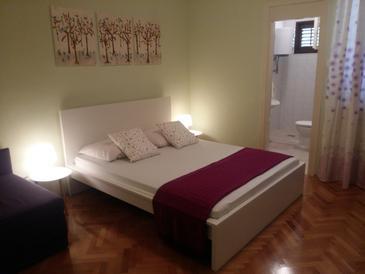 Arbanija, Spálňa v ubytovacej jednotke room, WIFI.