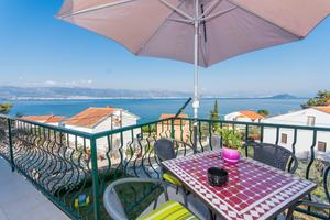 Apartments by the sea Slatine (Ciovo) - 1126