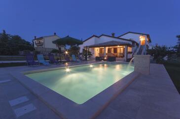 Orihi, Središnja Istra, Property 11295 - Vacation Rentals with pebble beach.