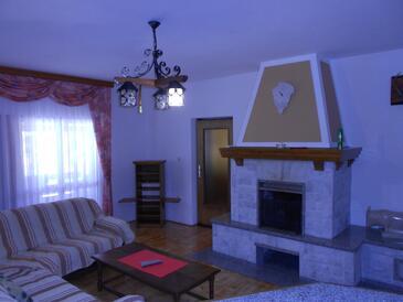 Orihi, Living room 1 in the house, dostupna klima i WIFI.