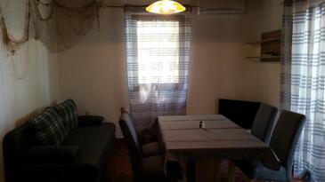 Ivan Dolac, Wohnzimmer in folgender Unterkunftsart apartment, Klimaanlage vorhanden, Haustiere erlaubt und WiFi.