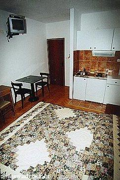 Medići, Dining room in the studio-apartment.