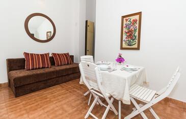 Biograd na Moru, Obývací pokoj v ubytování typu studio-apartment, WiFi.