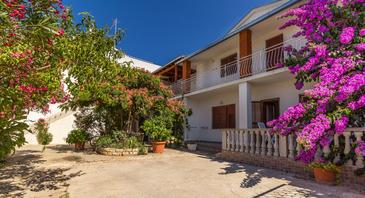 Biograd na Moru, Biograd, Property 11327 - Apartments with pebble beach.