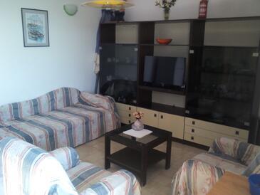 Drašnice, Living room in the apartment, dostupna klima i dopusteni kucni ljubimci.