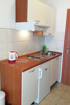 Gradac, Кухня в размещении типа studio-apartment, WiFi.