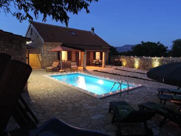 Gluići, Krka, Property 11337 - Vacation Rentals with pebble beach.