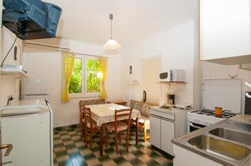 Mali Lošinj, Dining room in the apartment, dostupna klima.