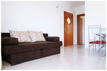 Ražanj, Living room in the apartment, dostupna klima i WIFI.