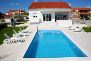 Holiday house with a swimming pool Vodice - 11349