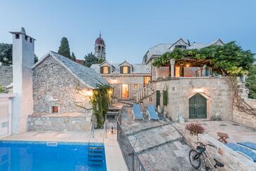 Donji Humac, Brač, Property 11359 - Vacation Rentals with pebble beach.