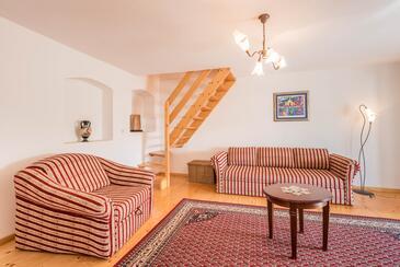Donji Humac, Obývací pokoj v ubytování typu house, klimatizácia k dispozícii, domácí mazlíčci povoleni a WiFi.