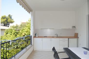 Makarska, Kitchen in the apartment, (pet friendly) and WiFi.